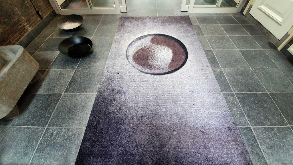 Deurmat-kunstproject-Amnesty-Leiden-Inge-Reisberman